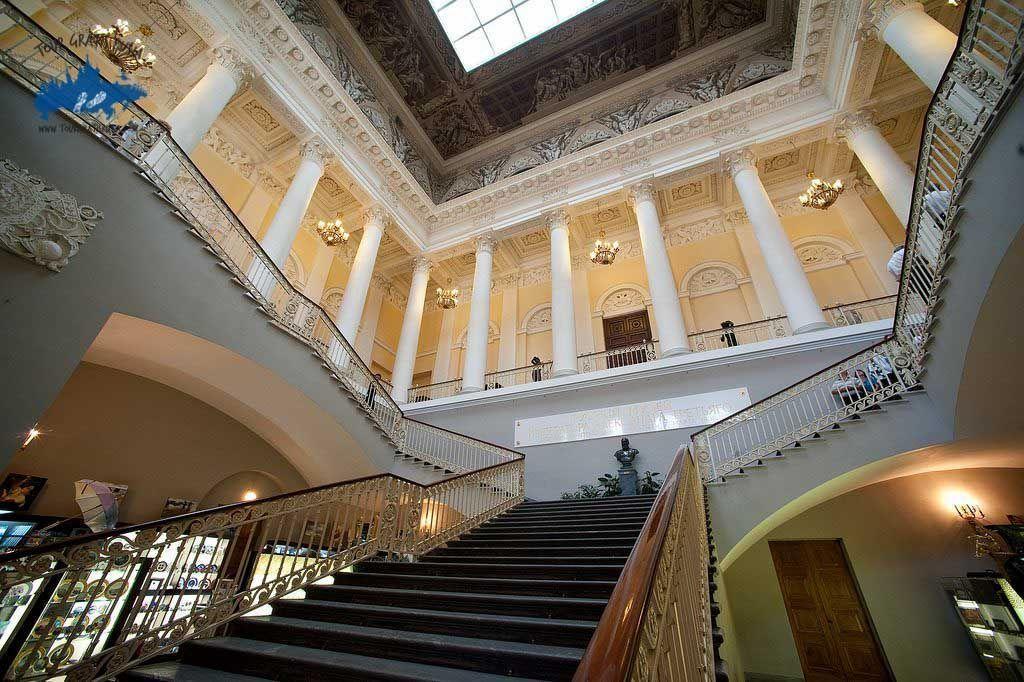 El Palacio Mijailovski en San Petersburgo