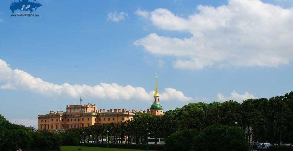 Recorrer el Campo de Marte en San Petersburgo; Visitar el Campo de Marte en San Petersburgo; Que ver en el Campo de Marte en San Petersburgo