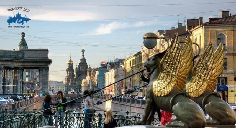 Pasear barato por San Petersburgo; Visitar San Petersburgo en forma barata; Como viajar barato a San Petersburgo