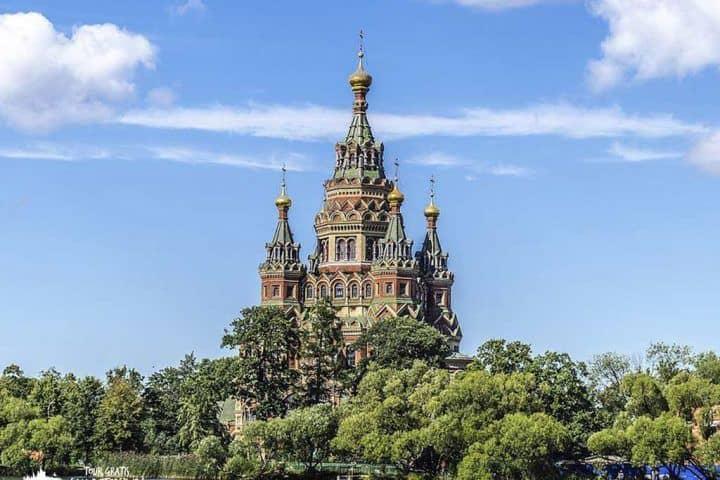 Catedral-de-Pedro-Pablo-en-Peterhof