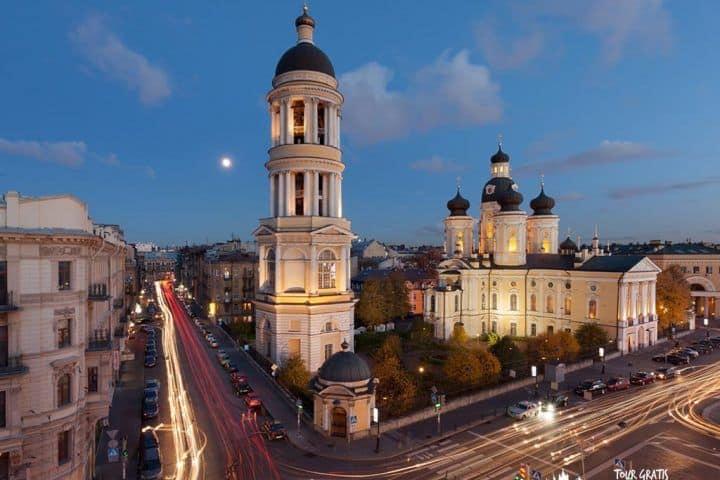 Catedral-del-Príncipe-Vladimir-en-San-Petersburgo-noche