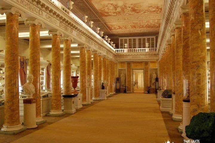 El-Museo-Universidad-de-San-Petersburgo