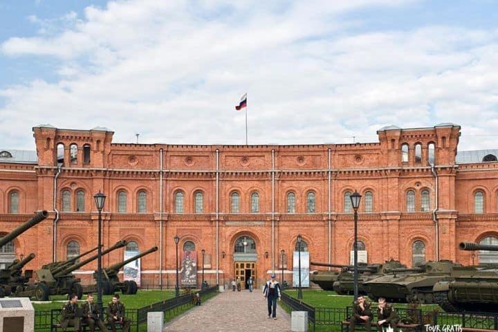 El-Museo-de-Artillería-de-San-Petersburgo-2