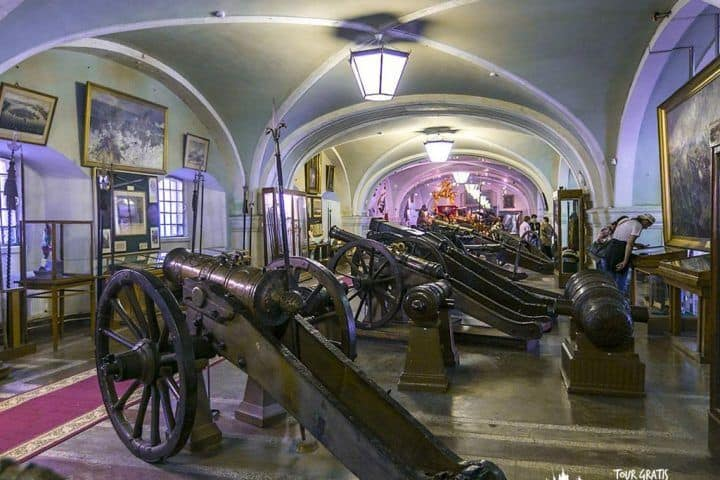 El-Museo-de-Artillería-de-San-Petersburgo-5