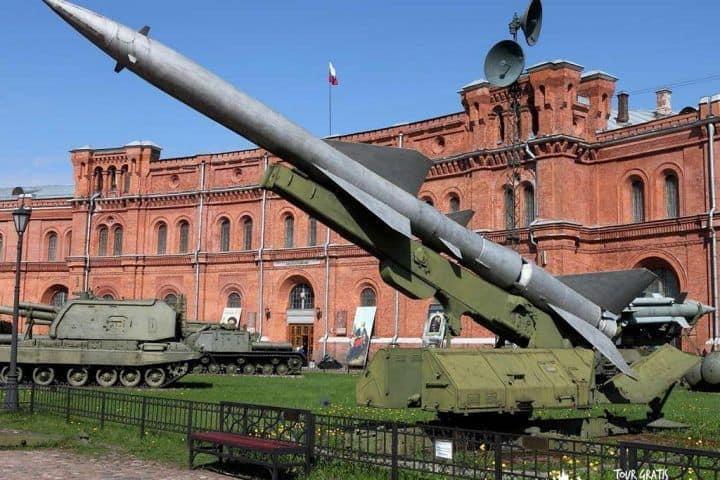 El-Museo-de-Artillería-de-San-Petersburgo-6