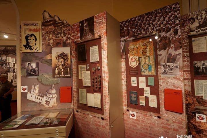 El-Museo-de-Historia-Política-de-Rusia-5