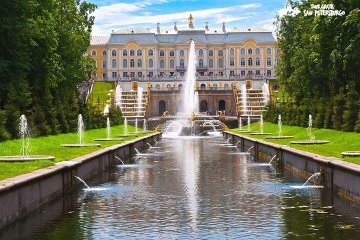 Excursión-por-jardines-y-fuentes-de-Peterhof