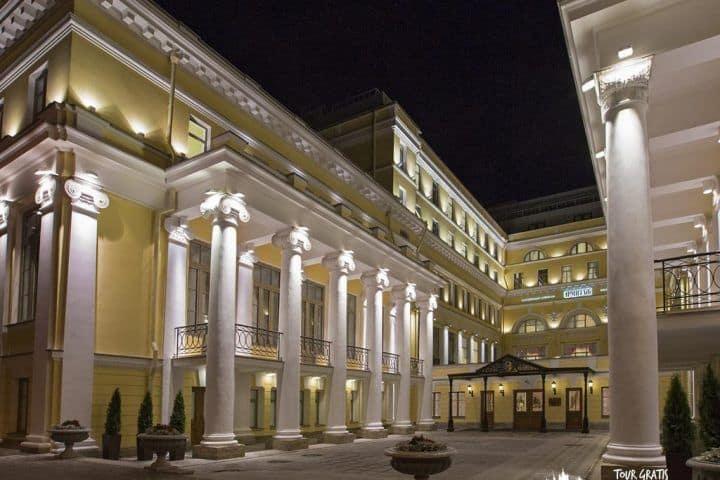 Hotel-Hermitage-de-San-Petersburgo