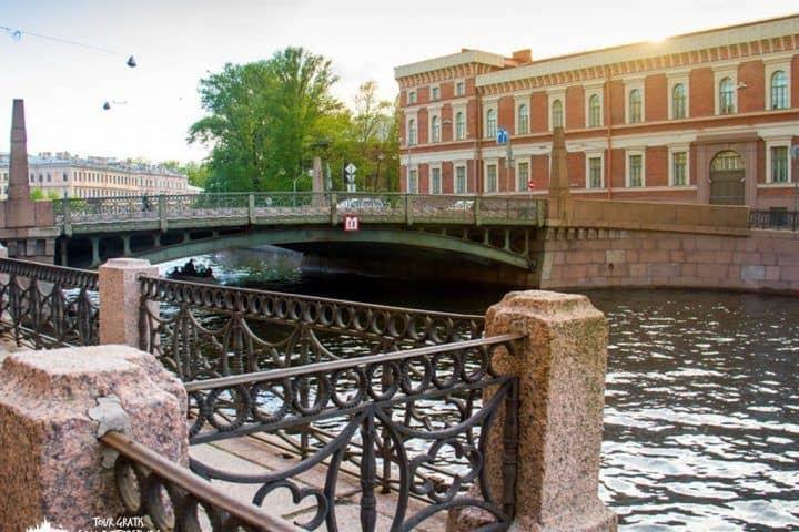 Potseluev-puente