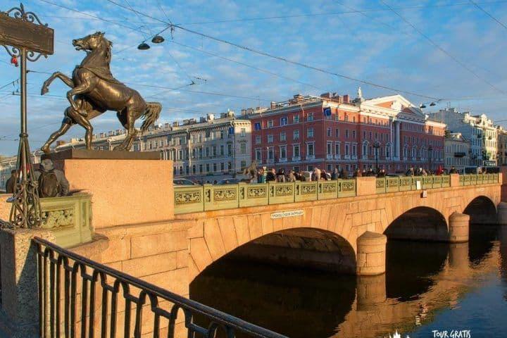 Puente-de-Anichkov-san-petersburgo
