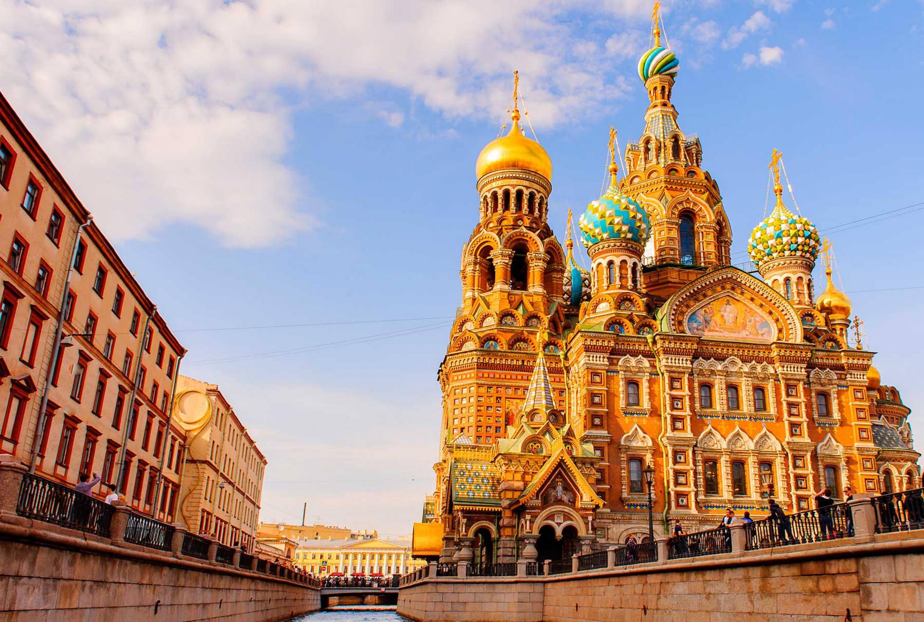 Excursión nocturna en San Petersburgo
