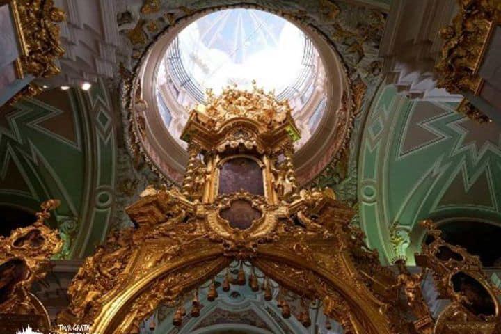 la-Catedral-de-Pedro-y-Pablo-en-Peterhof