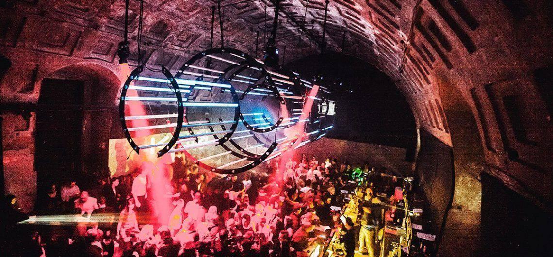 Recorrer los Clubes de San Petersburgo; Visitar los mejores clubes de San Petersburgo