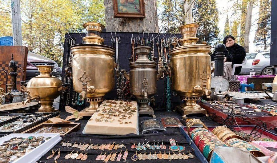 Ir al Mercadillo en San Petersburgo; Visitar el mercado de pulgas en San Petersburgo
